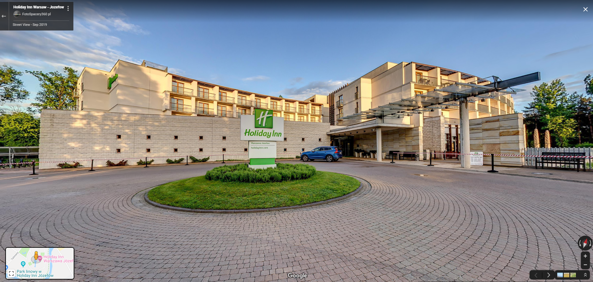 The September Featured Google Tour Winner is Warsaw, Poland's Holiday Inn, by Jakub Bauke
